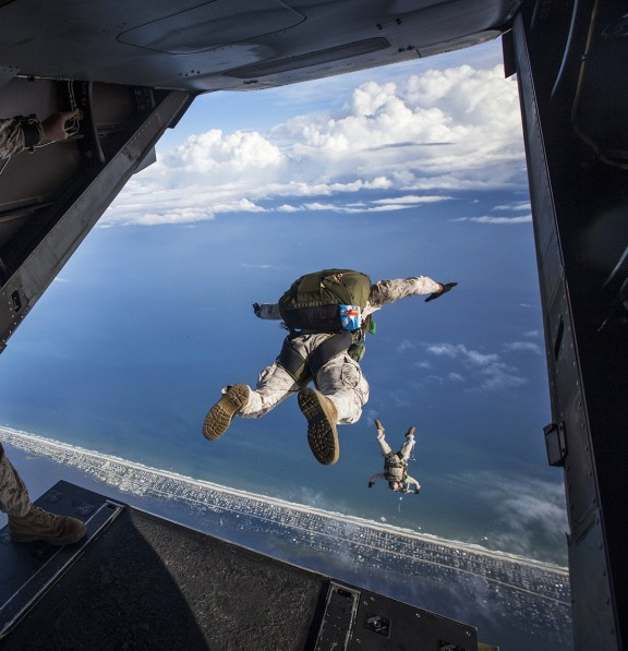 military men sky diving